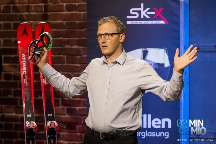 "Christoph Rauter at the presentation of the SK-X goggles on the TV show ""2 minutes 2 million"""