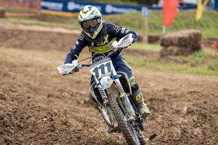 Motocross riders in sporty competition with optical motocross goggles from SK-X