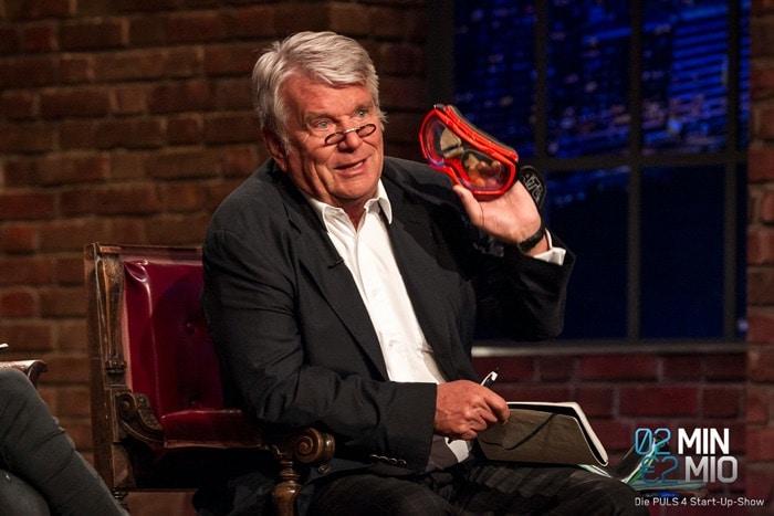 """Dr. Hans-Peter Haselsteiner mit der SK-X Sportbrille in """"2 Minuten 2 Millionen"""""""